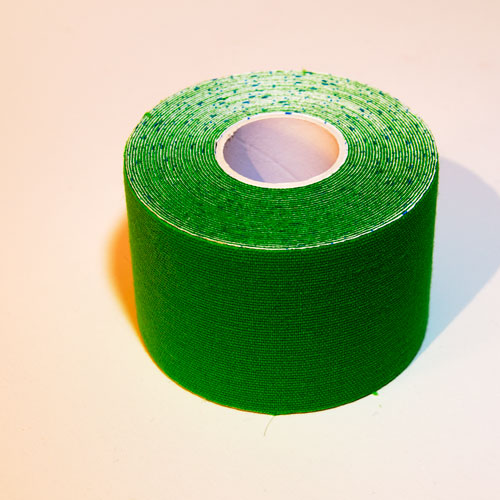 Ein grünes Kinesio Tape
