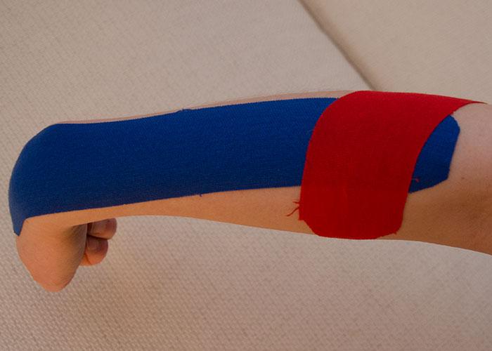 Tennisarm tapen - Schritt 2